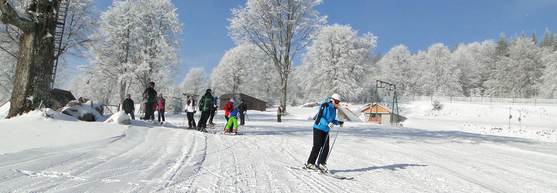 Bucurați-vă de schi şi de oportunităţile ierni!
